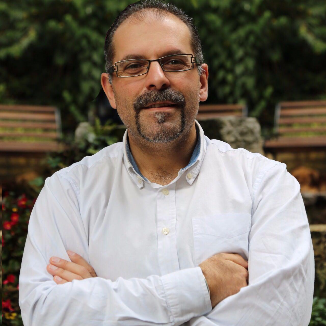 Dr. Carlos Muñiz