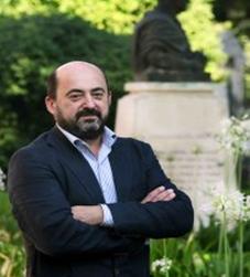 Dr. Manuel Torres Aguilar
